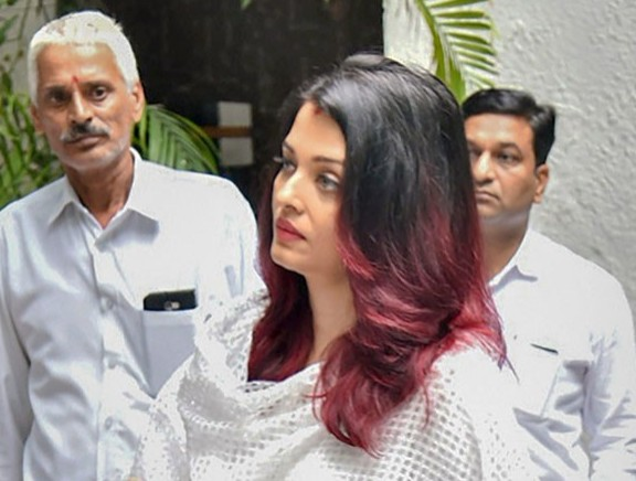 Celebrities Pay Last Respects to Rajan Nanda's Funeral