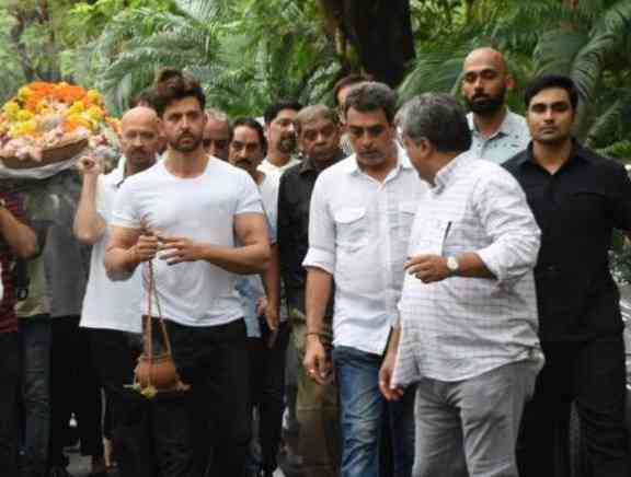 Celebs Pay Homage to J Om Prakash