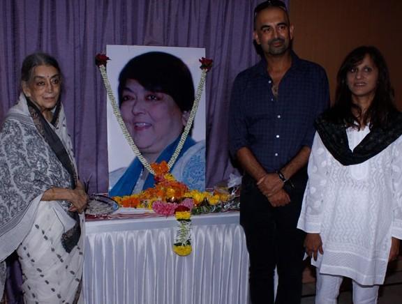 Celebs Pay Last Respect to Kalpana Lajmi