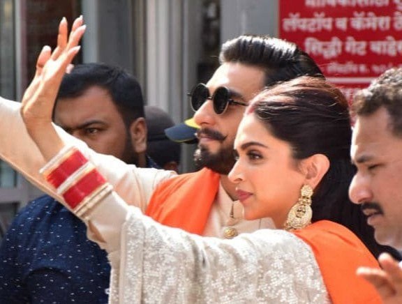 Deepika Padukone and Ranveer Singh at Siddhivinayak Temple
