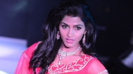 Dhansika walks the ramp for Kallista Couture by John at CIFW 2014 Day 1