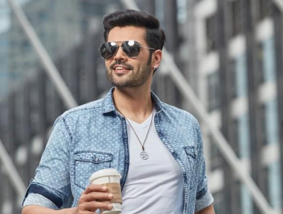Ganesh Venkatram chosen as brand ambassador for leading Men's Wear Brand Botticelli & Rapphael