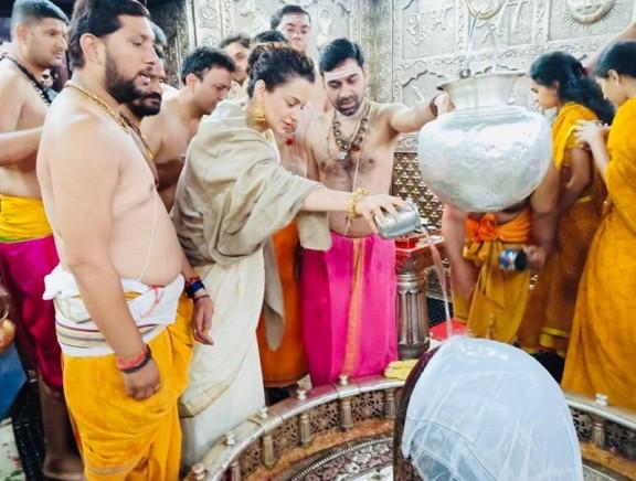Kangana Ranaut Offers Prayers at Mahakaleshwar Temple