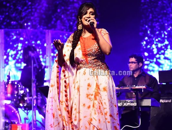 Shreya Ghoshal live performance at JITO Conference