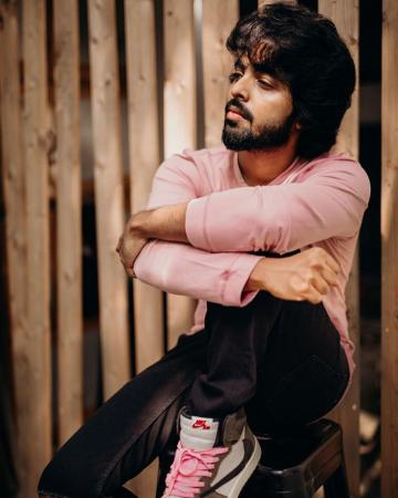 We love the lazy feel of the ensemble and the fact that GV Prakash can pull off pink rather well! - Fashion Models