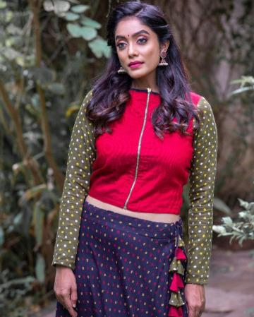 Abhirami Venkatachalam was spotted in this outfit from Ekanta Studio, but we're yet to decide if it is pretty - Fashion Models