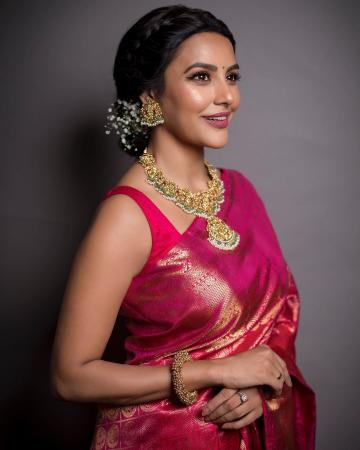 We're loving the heavy, traditional jewellery from Jaipur Gems - Fashion Models