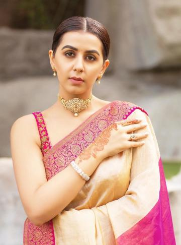The bangles are from Chennai Diamonds and we'd like to know where stylist Prathista found that choker - Fashion Models
