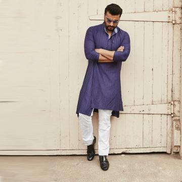 The man is a style statement on his own - we mean, he scrubs up well, doesn't he? - Fashion Models