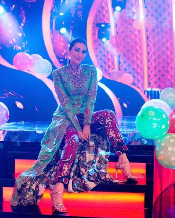Karishma Kapoor shot an episode of the Dancing Superstars in this distinguished-looking ethnic outfit from Anamika Khanna - Fashion Models
