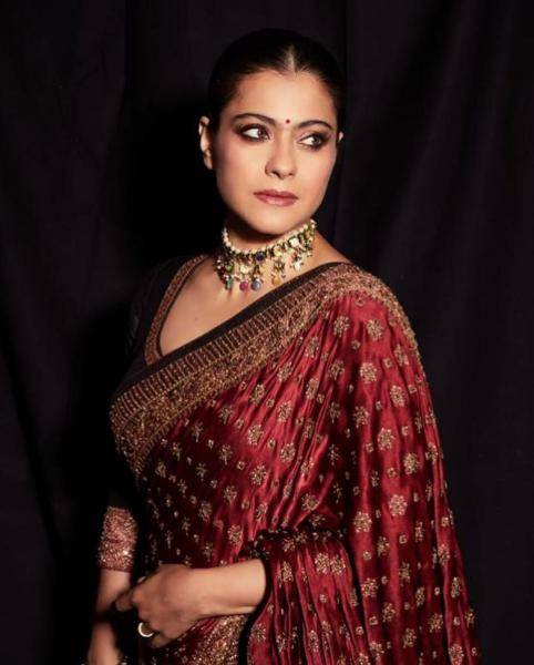 We're loving the simplicity of the makeup that lets Kajol's features shine through - Fashion Models
