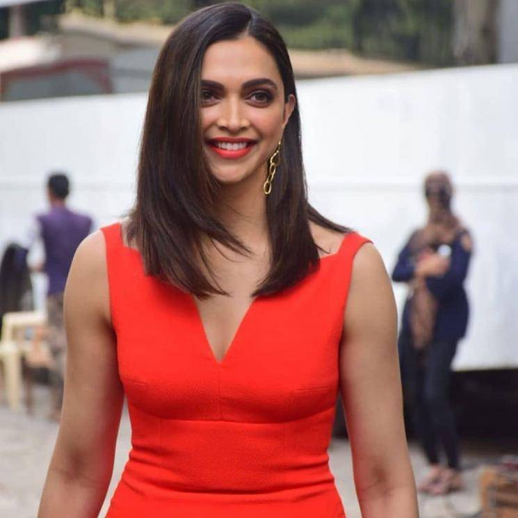 Makeup artist Sandhya Shekar has done a good job - Deepika is rosy and glowing in this number - Fashion Models