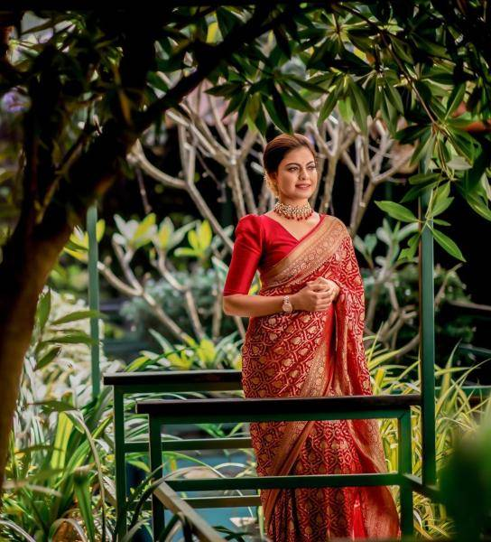 Malayalam sweetheart Anushree was recently seen in this beautiful red chili saree from Miland - Fashion Models