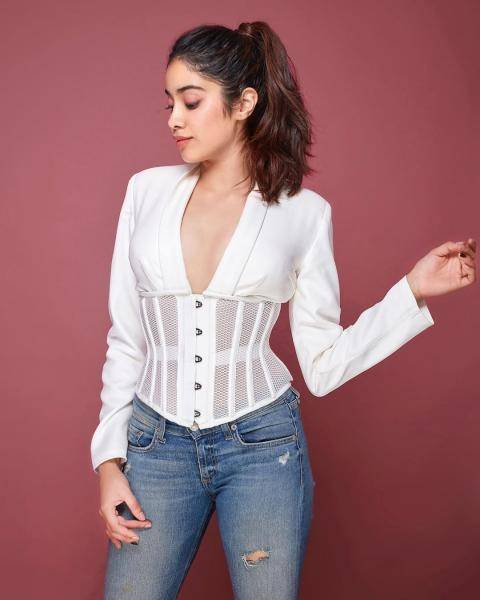 Jhanvi Kapoor was recently promoting the web series Ghost Stories in this white outfit from Duygu Ay - Fashion Models
