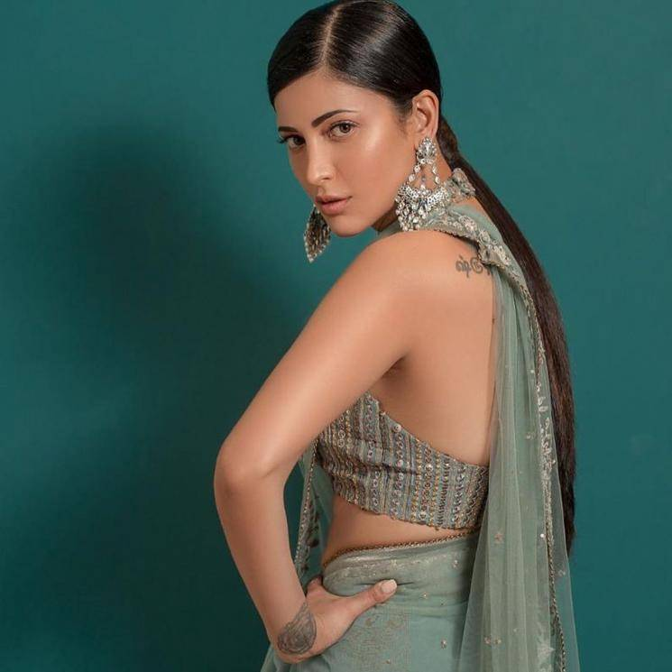 Shruthi Haasan was spotted at Zee Cine Awards Tamil in this green tulle saree from Ritu Kumar that has stunned us - Fashion Models