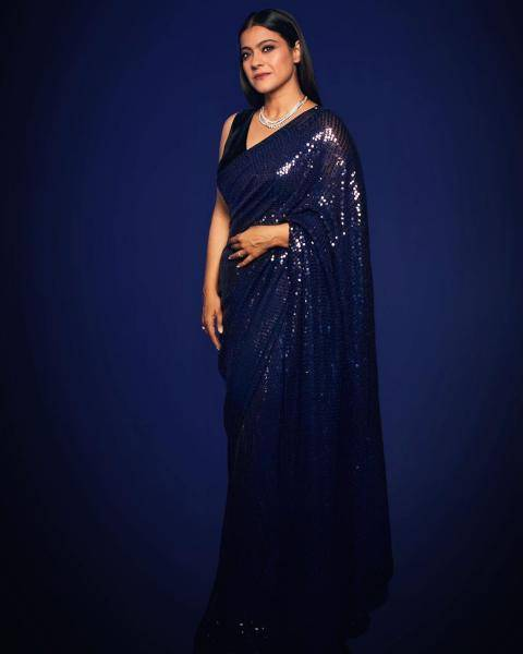 We can't count the number of times we saw various colours of this exact same saree last year - Fashion Models