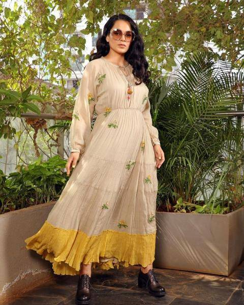 Kangana Ranaut's simple dress from I Love Pero channels the vibes of Zeenat Aman from the movie Hare Rama Hare Krishna for us, somehow - Fashion Models