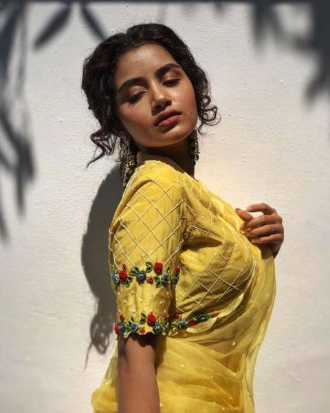 Stylist Lavanya Bhathina has an eye for good embroidery; we love the work on the blouse - Fashion Models