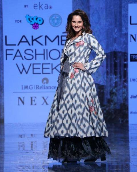 Sports star Sania Mirza berightened up the dias at the Lakme Fashion Week when she walked the ramp for Eka handloom - Fashion Models