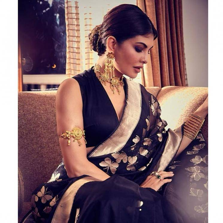 The lady's jewellery from Amrapali is showy as well as traditional - Fashion Models
