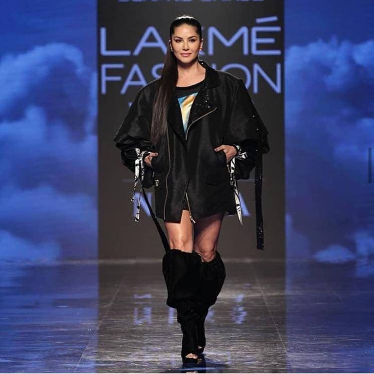 Sunny Leone walked the ramp for desinger Swapnil Shinde at the  Lakme Fashion Week in this classy black ensemble - Fashion Models