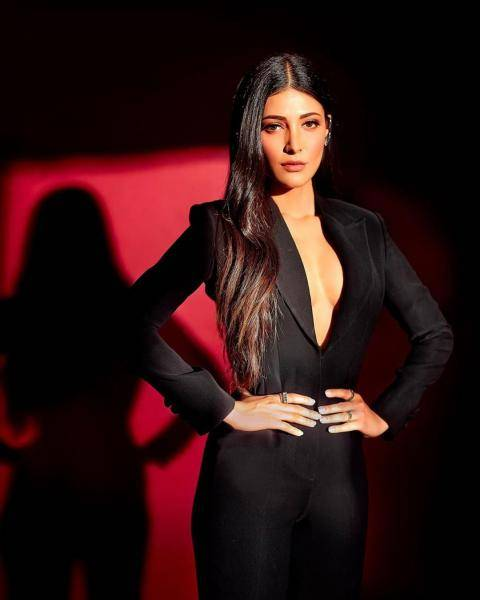 Shruthi Haasan attended the release of Devi in this powerpacked steaming jumpsuit from Nauman Piyarji  - Fashion Models