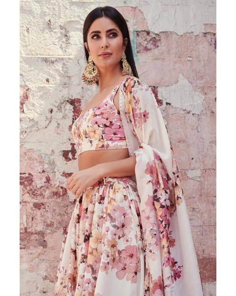 Katrina Kaif, who is busy promoting her upcoming movie Suryavanshi, had an appearance on the Kapil Sharma show wearing this beautiful outfit from Sabyasachi - Fashion Models