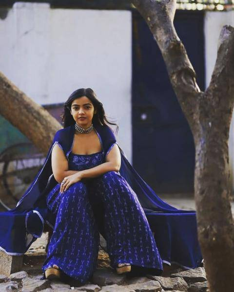 Nithya Shetty, whose latest movie O Pitta Katha will release on Friday was spotted in this cool blue ensemble from designers Shipali & Abhishek - Fashion Models