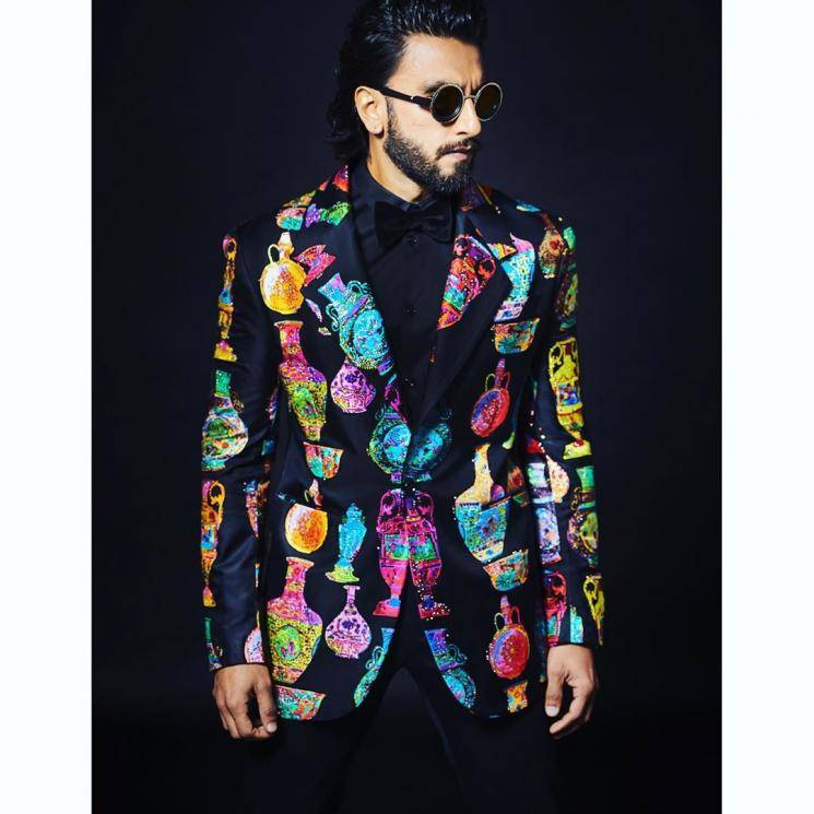Ranveer Singh attended the Zee Cine awards in this colourful suit from Versace  - Fashion Models
