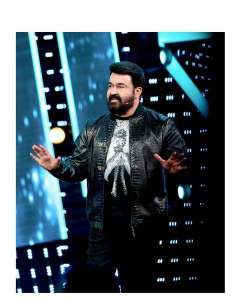 We really hope Mohanlal cuts back on the makeup though - he is starting to look caked-up what with the generous use of foundation and highlighters  - Fashion Models