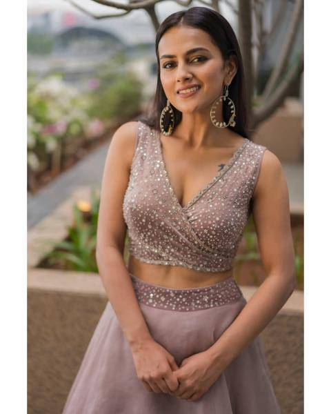 Shraddha Srinath was recently spotted in this sequined lehenga set from Mishru that really suits her - Fashion Models
