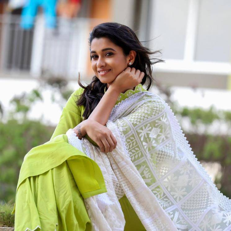 Priya Bhavani Shankar was seen in this rather pretty outfit from Mersal - Fashion Models