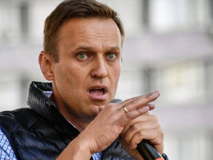 Russian opposition leader Alexei Navalny in coma after alleged poisoning! -