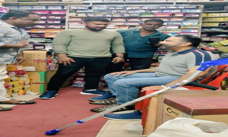 கலவர ஸ்பெஷலிஸ்ட்டுகளை ஒற்றுமையால் முறியடிப்போம் - கமல்ஹாசன்
