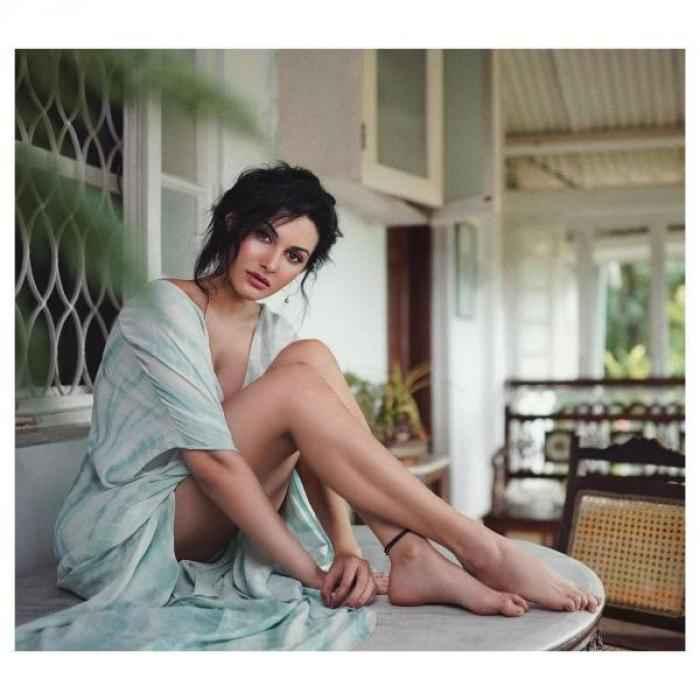 Amyra Dastur actress images
