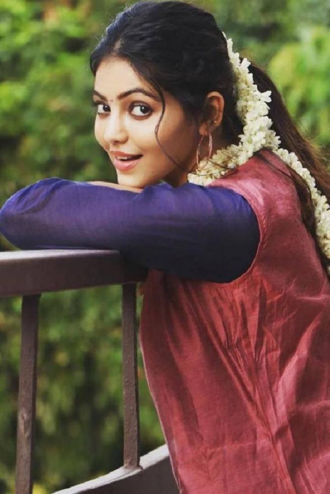 Athulya Ravi - Photos Stills Images