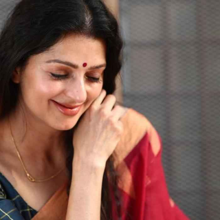 Bhumika chawla - Malayalam Photos Stills Images