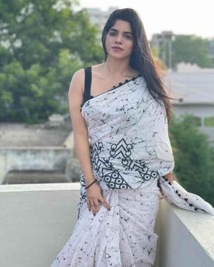 Divya Bharathi actress images
