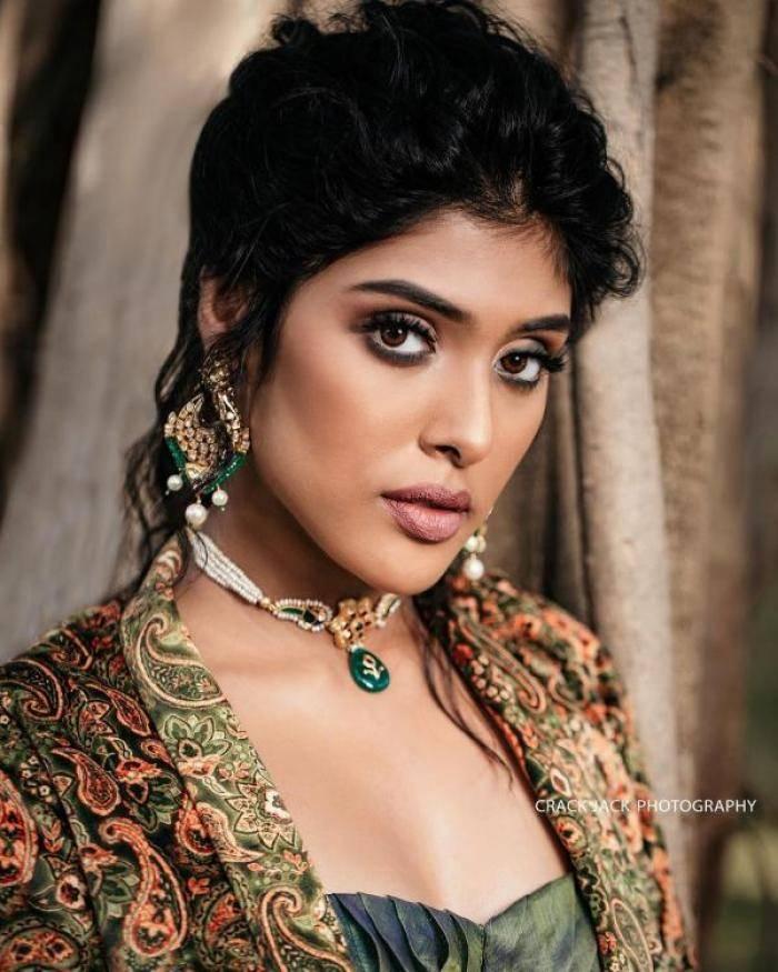 Gayathri Reddy - Photos Stills Images