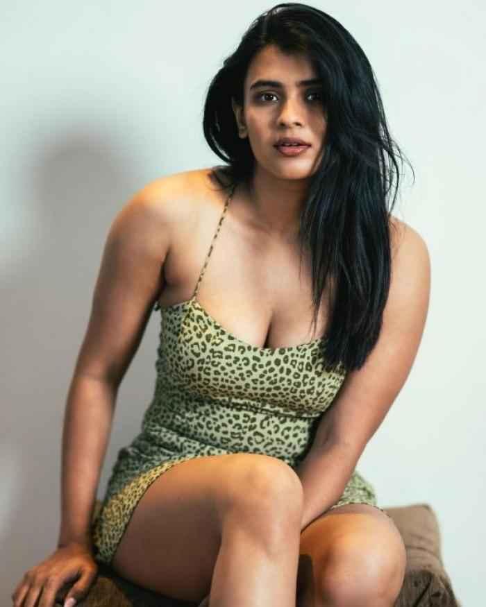 Hebah Patel - Telugu Photos Stills Images