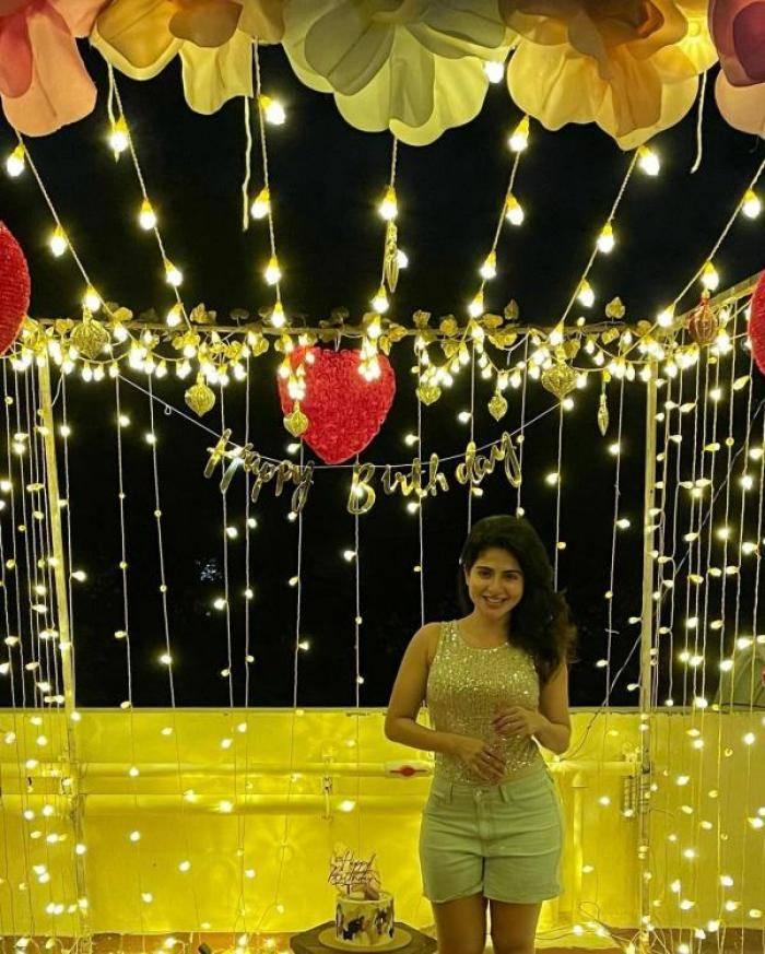 Iswarya Menon actress images