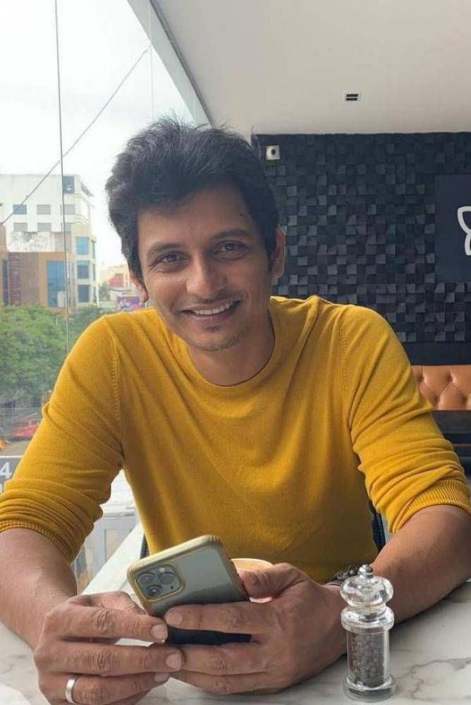 Jiiva - Telugu Photos Stills Images