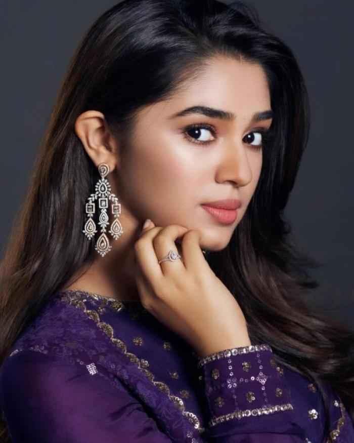 Krithi Shetty actress images