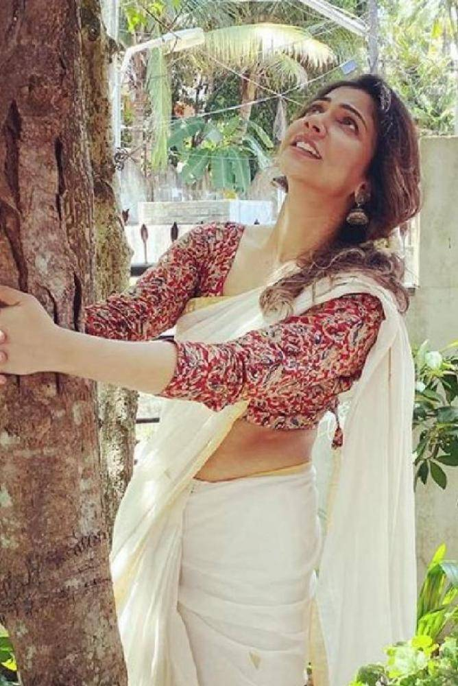 Madonna Sebastian - Photos Stills Images