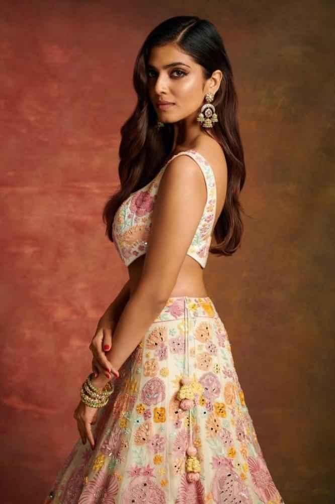 Malavika Mohanan actress images