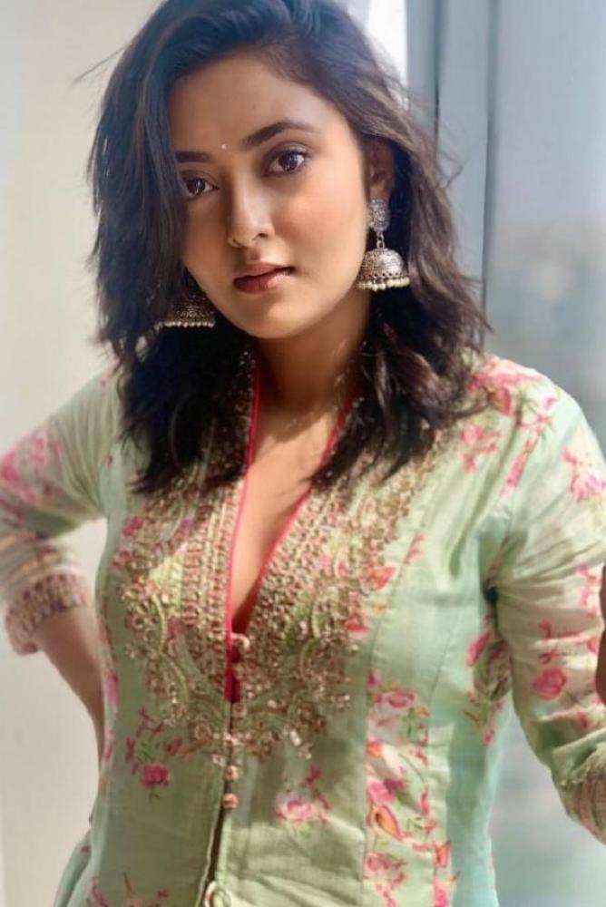 Megha Chowdhury - Photos Stills Images
