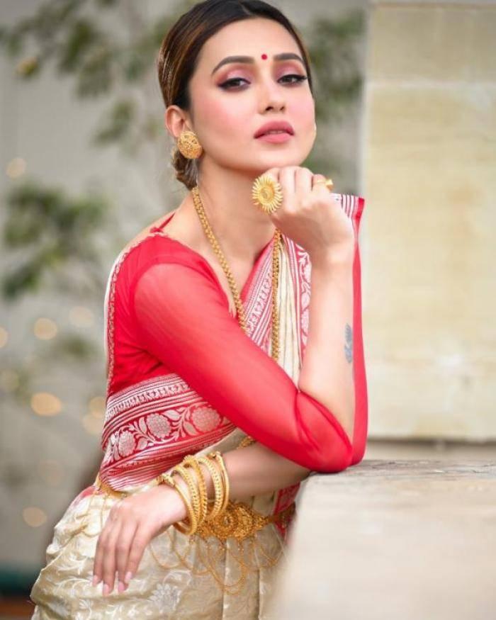 Mimi Chakraborty - Photos Stills Images