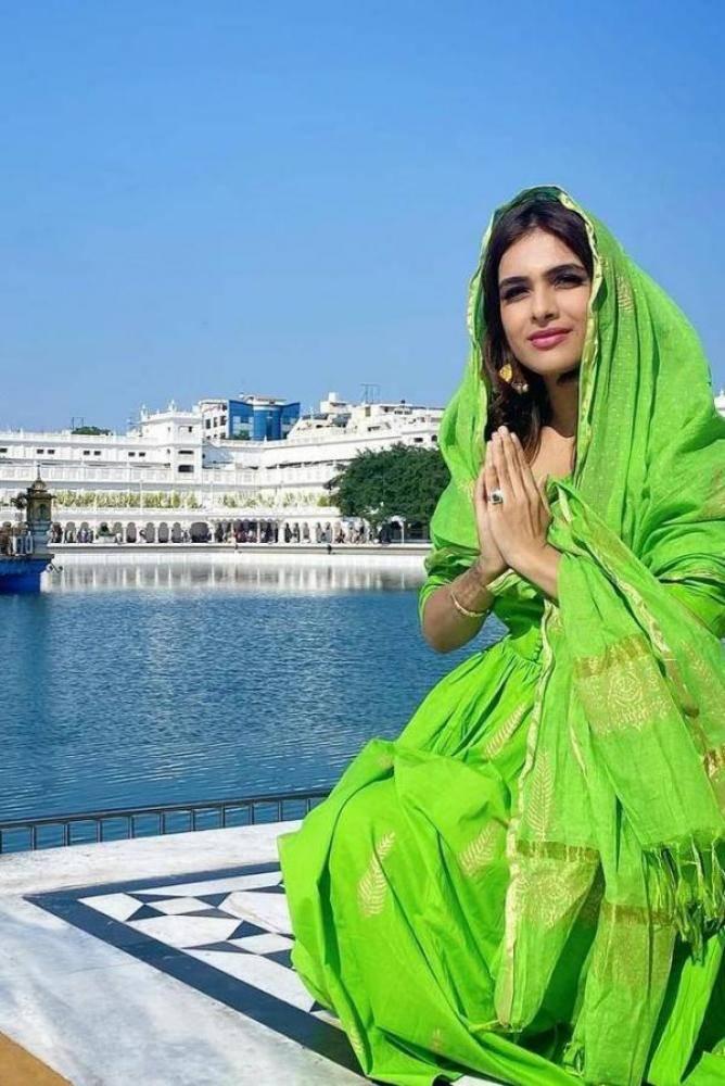 Neha Malik - Tamil Photos Stills Images