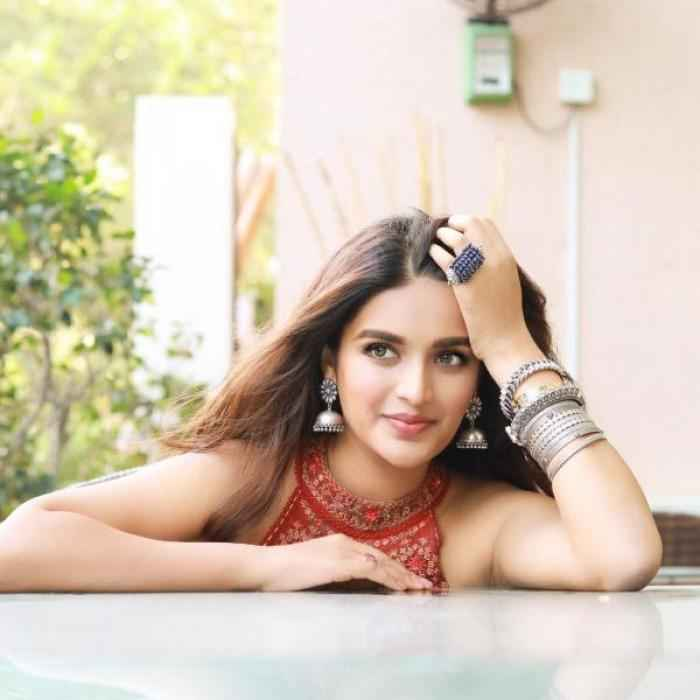 Nidhhi Agerwal actress images