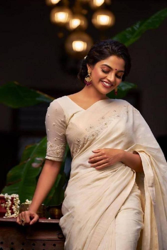 Nikhila Vimal - Photos Stills Images